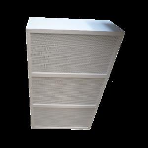 Downflowhood met 3 stuks FilterFanUnits, de HEPA-filters zijn beschermd door gepoedercoate stalen geperforeerde panelen.