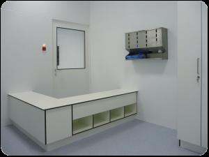 kleedsluis-farmaceutisch-overstapbank-dispenser